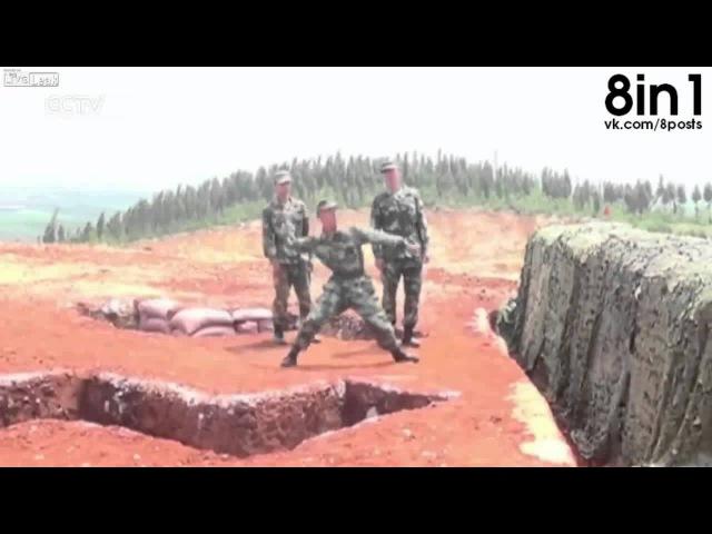 Солдат плохо бросает гранату и она взрывается рядом Grenade Slips From a Soldier's Hand