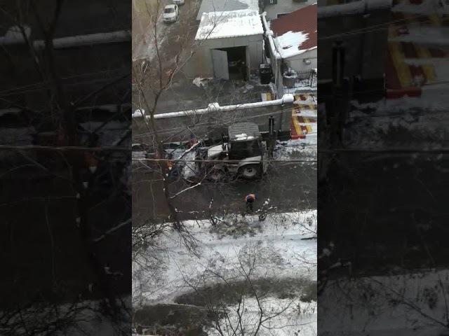 Алматинец возмутился «ленивой» чисткой улицы