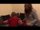 Глухонемая девочка узнаёт что она скоро станет старшей сестрой