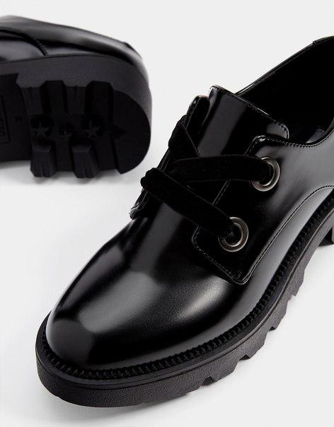 Туфли-блюхеры на рифленой подошве