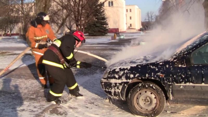 в г. Новополоцке загорелся легковой автомобиль «Ситроен Ксантия» на стоянке по ул. Юбилейная