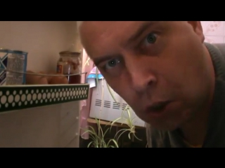 А я не понял? Что вы делаете в моём холодильники