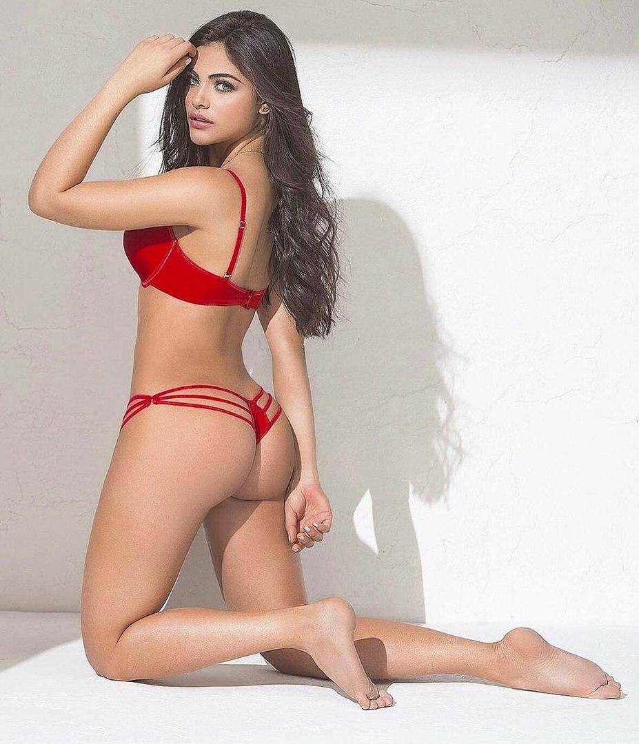 Latina trap Jessica Kush jerking her rod