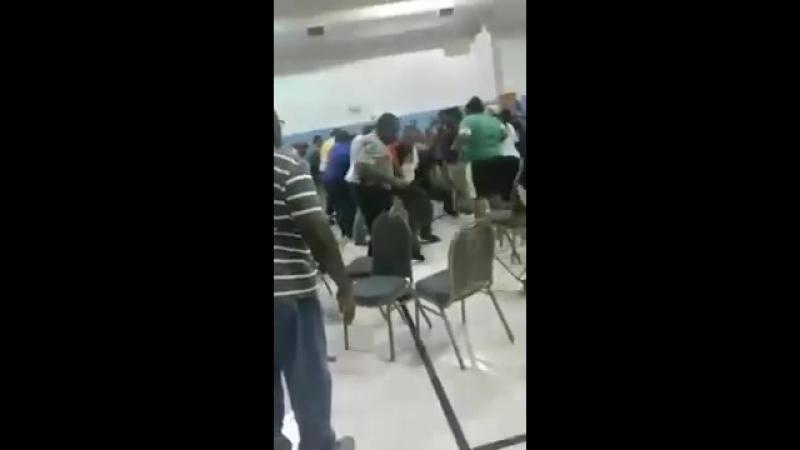 Выбираем пастора. Драка в баптистской церкви.