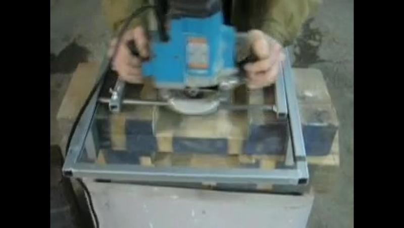 Кондуктор для ручного фрезера по дереву