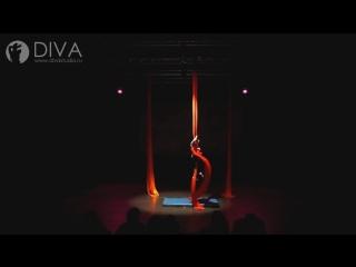 Детская воздушная гимнастика на полотнах, ученица студии DIVA- Алиса, хореограф Мария Мишина