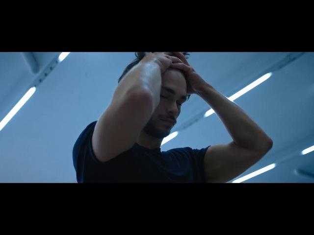 Y - ALEXANDRE ROBICQUET - Yves Saint Laurent - 30s VO