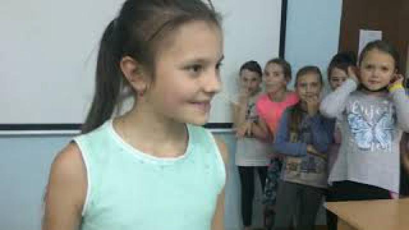Импровизация Алиса в Зазеркалье. Актерское мастерство в школе моделей Ural Models от ...