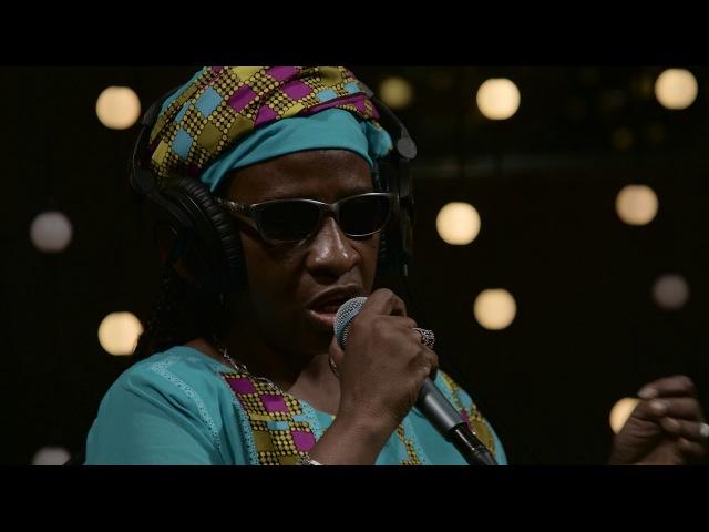 Amadou Mariam - La Réalité (Live on KEXP)