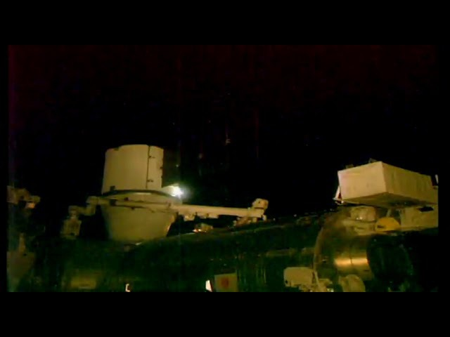 Really big white UFO makes the ISS crew cut the SD live stream - 10. jan. 2018