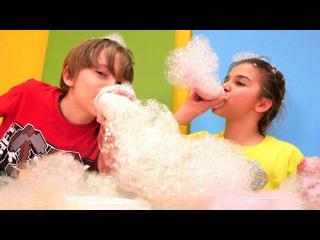 Sema ve Arseny köpük challenge. Eğlenceli çocuk videosu