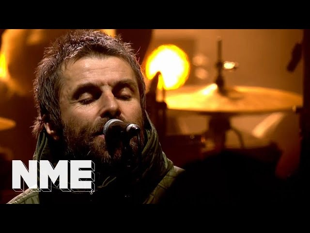 Liam Gallagher plays 'Rock 'n' Roll Star'' | VO5 NME Awards 2018