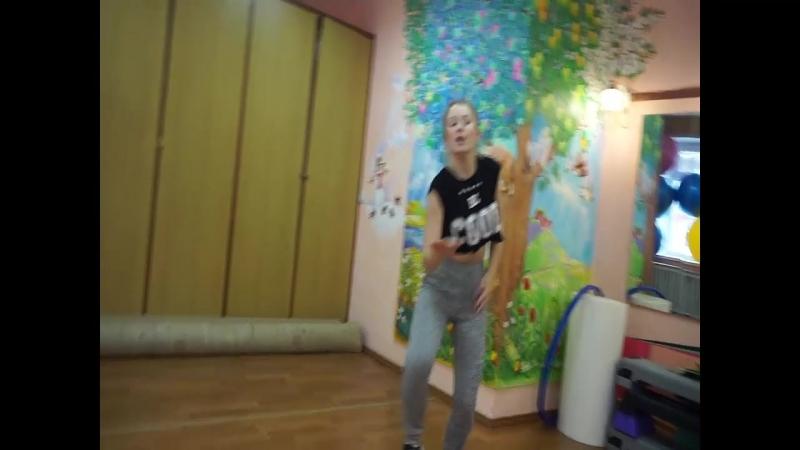 Танцую с любимой сестричкой❤❤❤