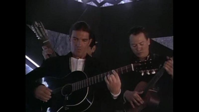 Antonio Banderas Los Lobos - Morena De Mi Carzaon