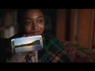 Samsung опустила айфон в рекламе. Яблочники в суд побегут