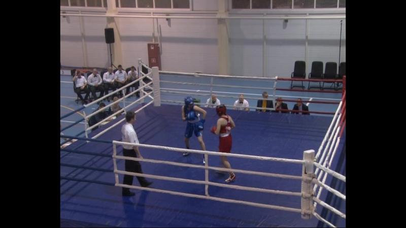Участницы из 17 областей России собрались в Серпухове на чемпионат Центрального Федерального округа по боксу.