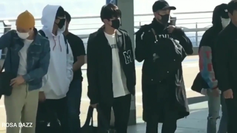 171020 BTS at Incheon airport heading to Taipei Taiwan for The Wings Tour