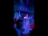 Блонди Бонд и Джина Мартин - I need your love