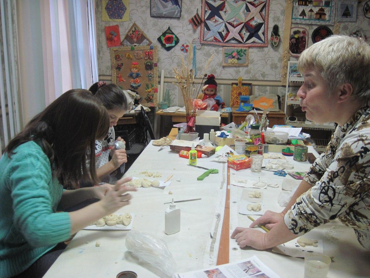 «Дымковская барышня» в Клубе инвалидов «Вера»