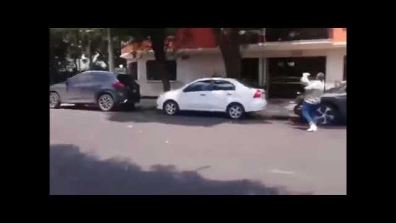 DEPREM ANI MEKSİKA TURİST KAMERASINA YAKALANDI!!