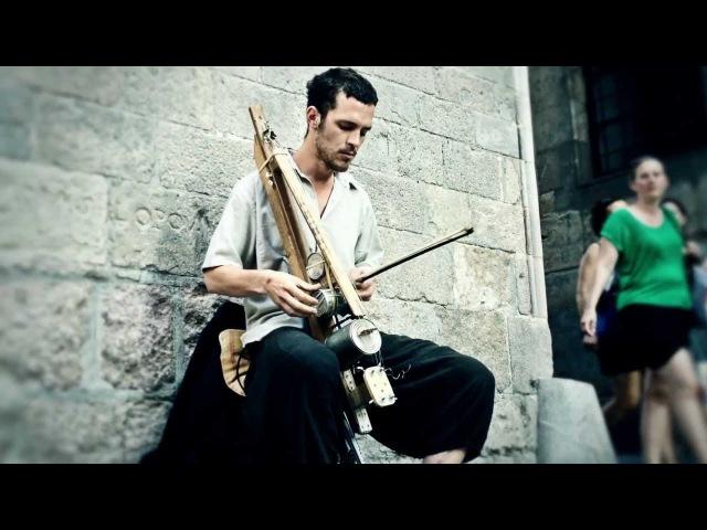 Surreal street performance by Mauro Paganini!