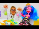 Çılgın Doktor Sema Gooliope Jellington'ı tedavi ediyor. MonsterHigh oyuncakları ve kızoyunları