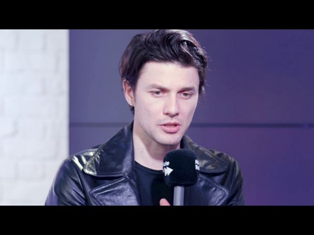 James Bay on losing the hat his new album and demonstrates his busking ability