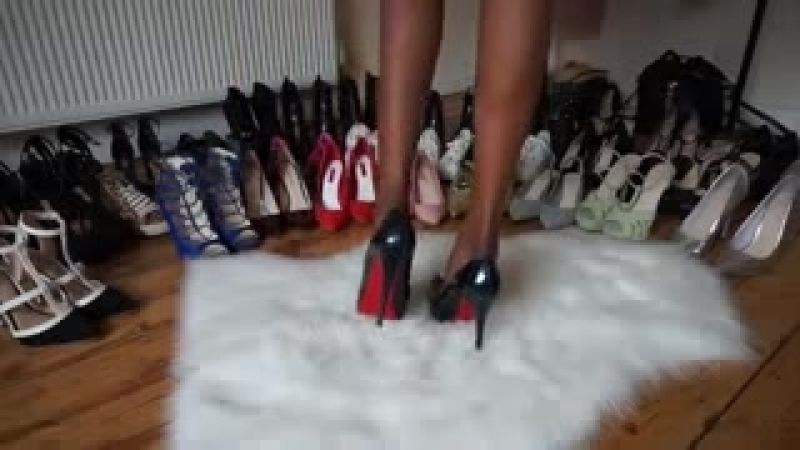 Fur rug shoe colection