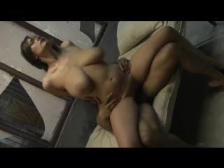Порно жесткое изнаилование огромными членами