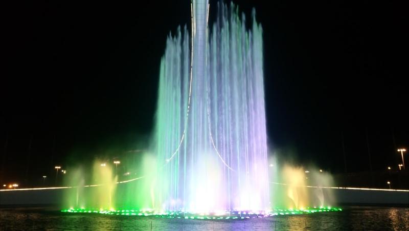Поющий фонтан ночью - Синяя вечность (Олимпийский парк Сочи)