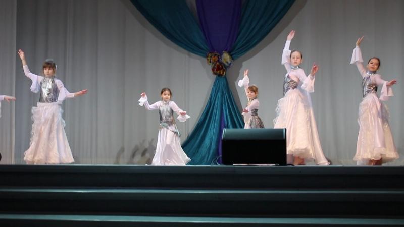Лебеди . Совершенство 1 на конкурсе восточного танца! 1 место!