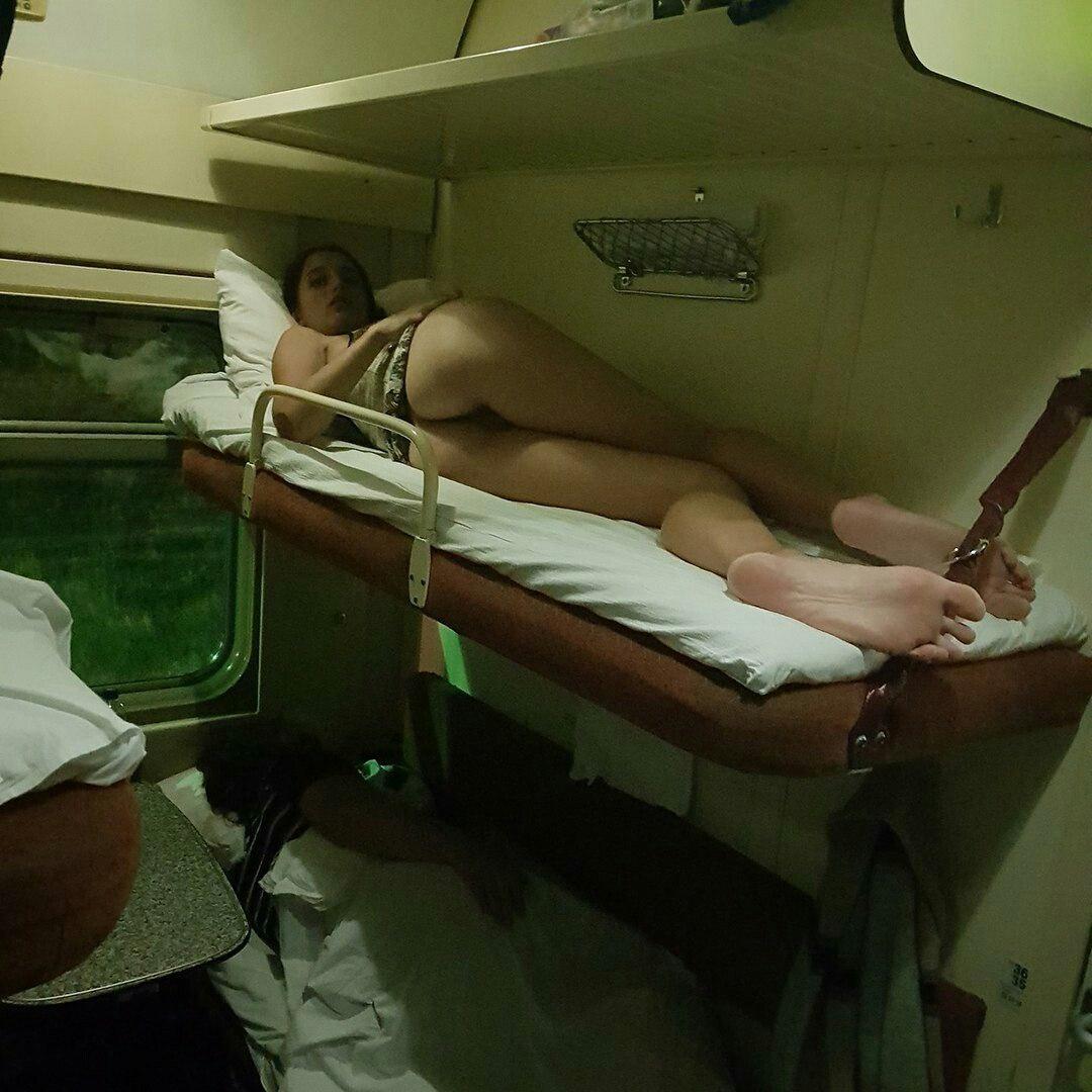 Подсмотрел в поезде за девушкой — photo 4
