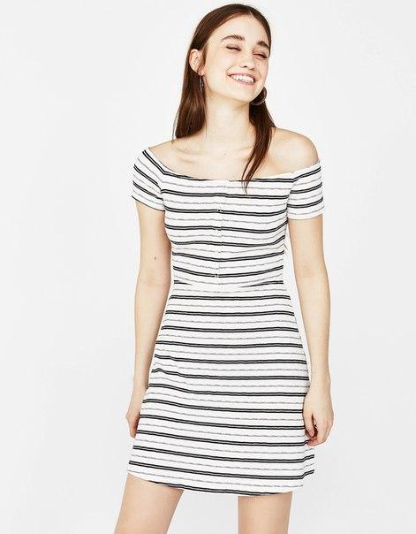 Короткое платье с кнопками