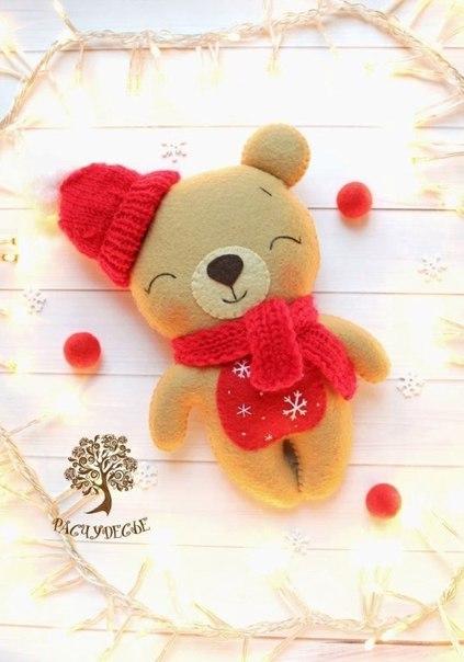 Шьем милую игрушку из фетра «Новогодний Мишка»