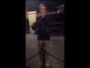 Возле клуба «Молоко» в центре #Ульяновск парень отправил девушку в глубокий нокаут. Видео