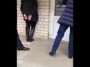 У нас девушка умирает скорая едет час на работницу аптеки напали с ножом в Ставрополе 🔸️ Кадр из видео Разбойное нападен