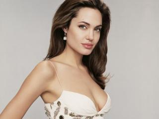 Счастливый случай Анджелины Джоли!