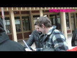 Эван Питерс и Эмма Робертс раздают автографы поклонникам на фестивале Sundance, 19.01.18
