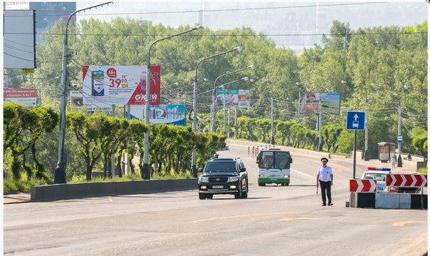 В Красноярске экипаж ГИБДД, дежурящий на Коммунальном