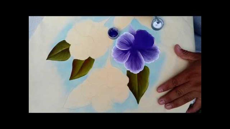 Tutorial pintura textil. Pintando Campanula azul y hoja.