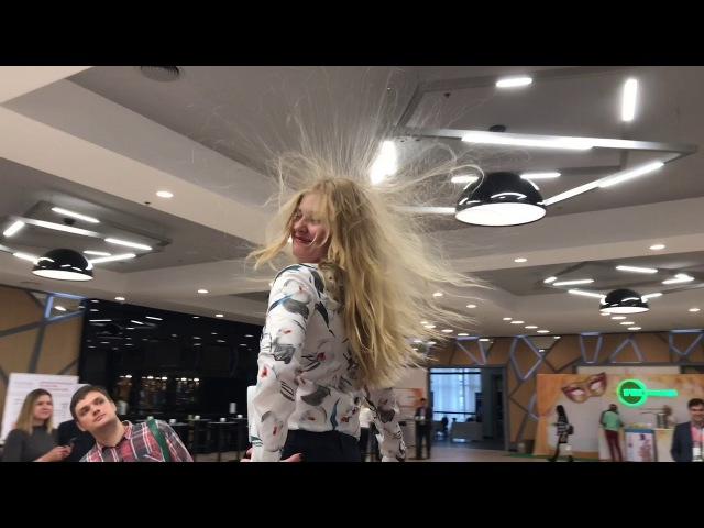 Инсталляция HairUp на конференции KDD 2017 Киев