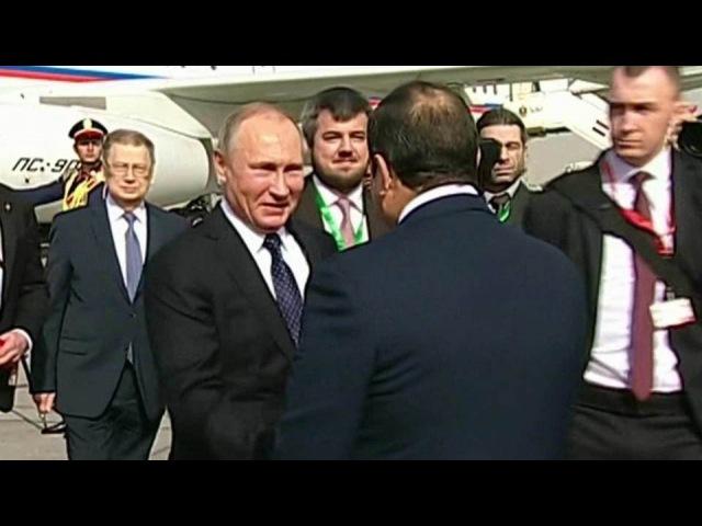 Владимир Путин вКаире провел переговоры спрезидентом Египта Абделем Фаттахом Ас-Сиси