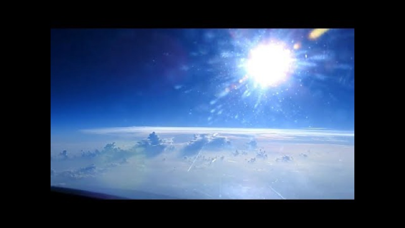 Пилот самолета разоблачает Плоскую Землю без риска для карьеры.