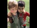 Даниэль Гусев вместе со своим закадычным другом Марком на тренировке по футболу