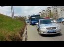 Наркоман со скальпелем и отверткой бросается на автобусы