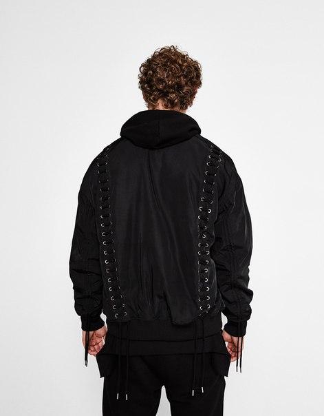 Куртка-бомбер со шнурами