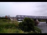 Сапсан проезжает мост