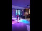 танцы на стеклах Силонов Владик премьера сольного выступления с песней, которую вспомнили на скорую руку???