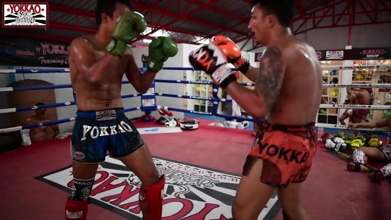 Muay Thai Champions_ Singdam sparring with Pakorn - YOKKAO Training Center Bangk