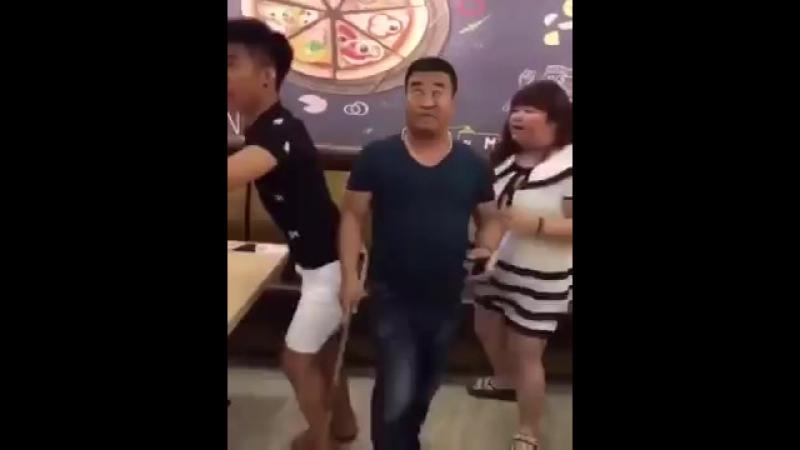 Девушка, я не танцую